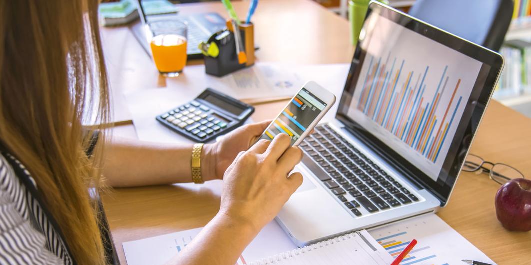 Social Media Analysis on Laptop